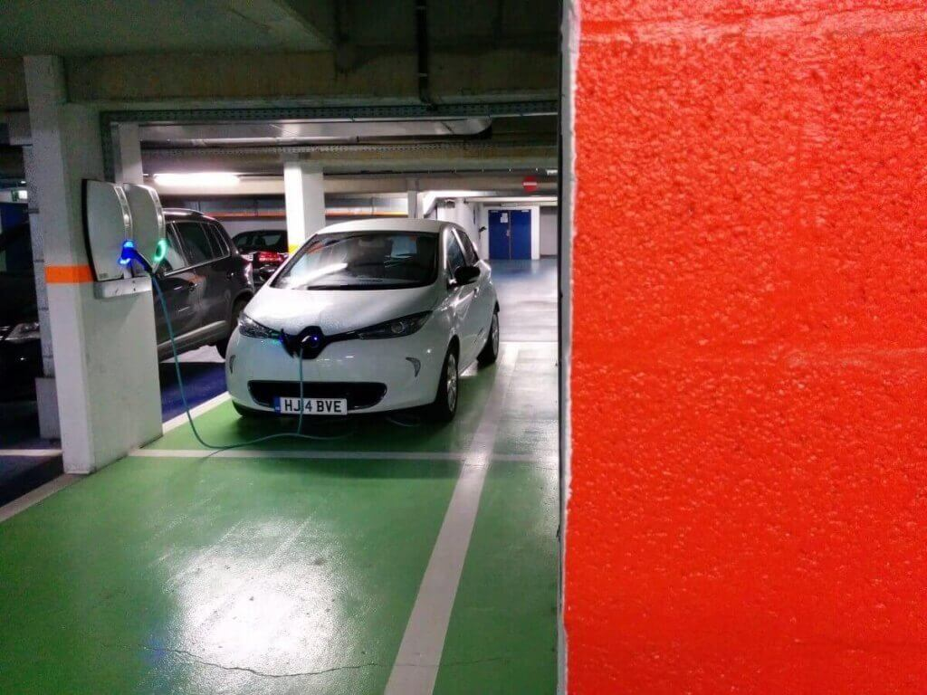 Charging via the PlugSurfing app under the casino in Koksijde